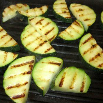 Zucchinpfanne arabisch mit Nudeln