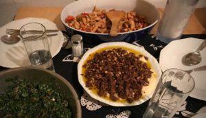 Taboule, Fatteh und Co. auf dem Tisch