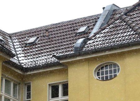 Schnee auf Berliner Dächern