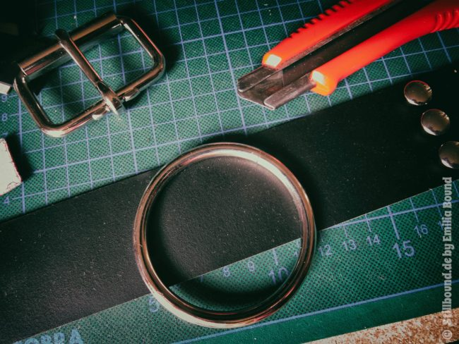 Lederwerkastatt Schnallen und Nieten