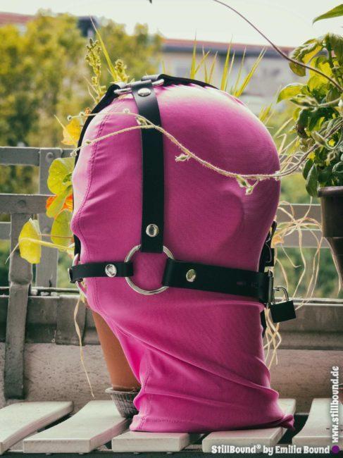 Kopfgeschirr mit BDSM Knebel abschließbar, aus Leder oder Gummi